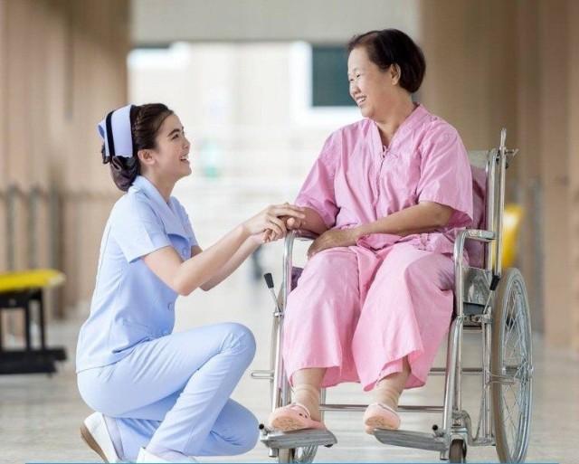 Học ngành điều dưỡng khi đi du học Nhật Bản để dễ xin việc