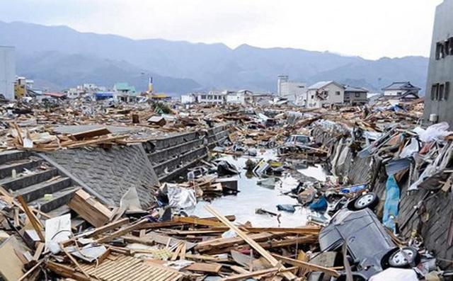 Động đất ảnh hưởng nghiêm trọng đến Nhật Bản